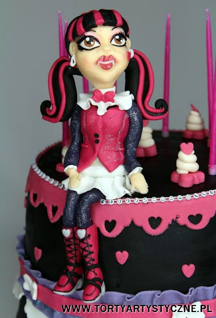tort draculaura monster high