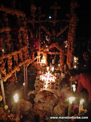 Ofrendas de Día de Muertos en Pátzcuaro y la Región Lacustre