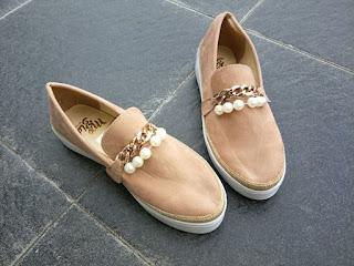 sepatu abg cream