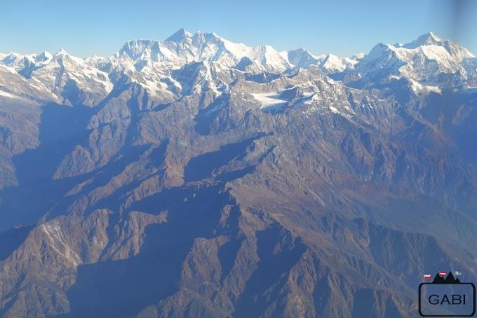 Everest Express - Lot nad Himalajami