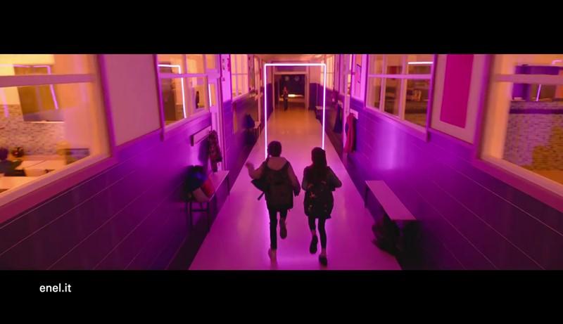 Pubblicit enel l 39 energia oggi come una porta sul futuro - La ragazza della porta accanto colonna sonora ...