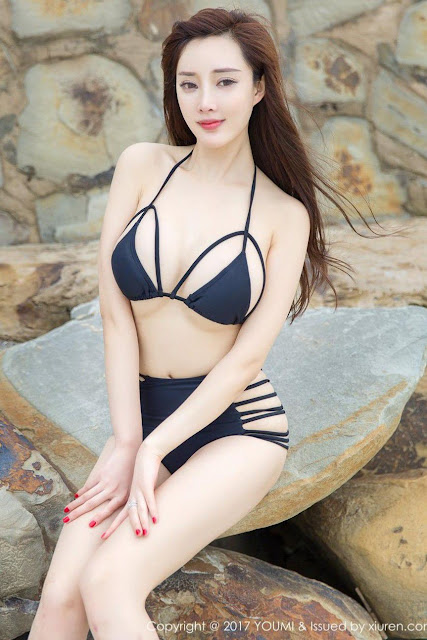 Hot and sexy big boobs photos of beautiful busty asian booty model Zhou Yan Xi photo highlights on Pinays Finest sexy nude photo collection site.