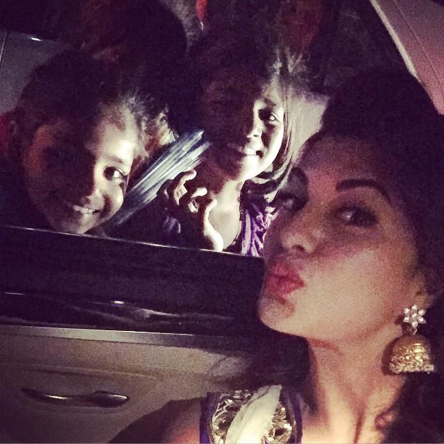 Jacqueline Fernandez selfie with fans