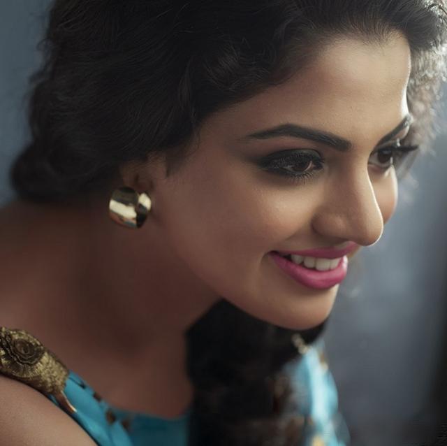 Nikhila Vimal  IMAGES, GIF, ANIMATED GIF, WALLPAPER, STICKER FOR WHATSAPP & FACEBOOK