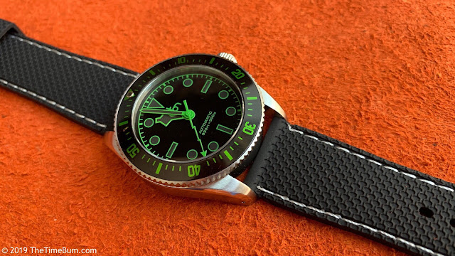 Octon automatic dive watch black green strap
