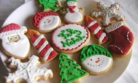 Biscoitos Amanteigados coloridos com Glacê Real