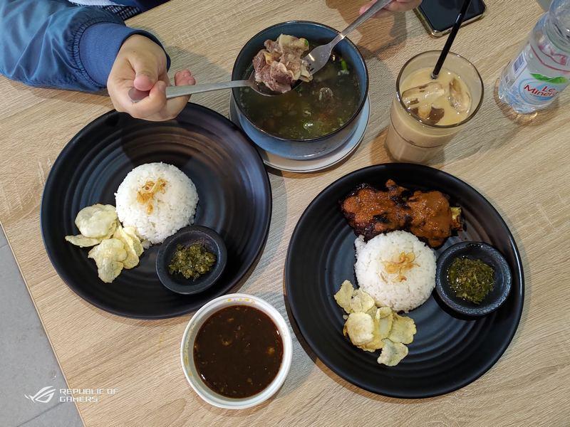 Nikmatnya Konro Bakar dan Sop Buntut di Gapura Resto dan Cafe Boyolali