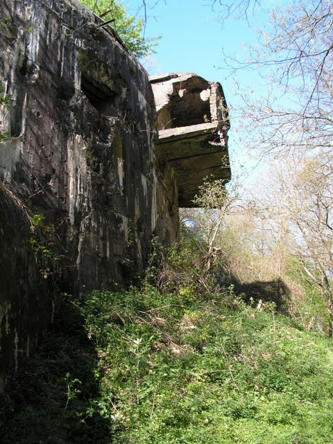 Heavy signs of decay at Battery Todt