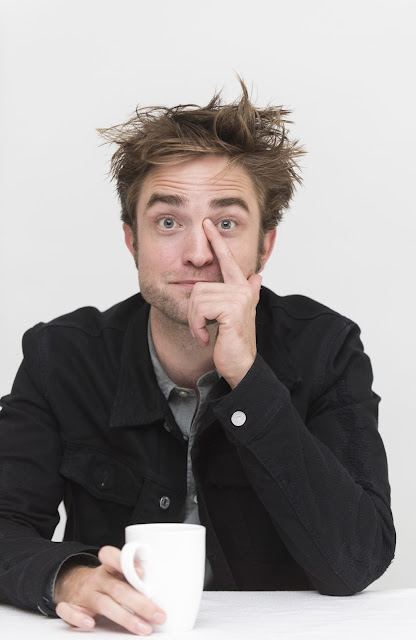 http://www.hollywoodreporter.com/race/awards-chatter-podcast-robert-pattinson-good-time-1027085