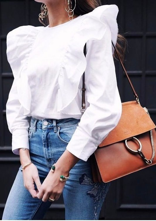 Cute Outfit Idea With High Waist Jeans