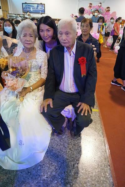 溪湖鎮金婚、鑽石婚暨白金婚表揚 115對夫妻同慶