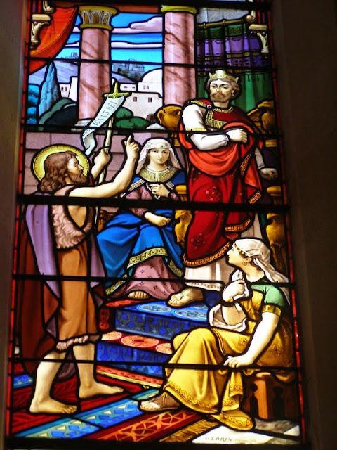 St Jean baptiste-vitraux église Boën ©F.D KT