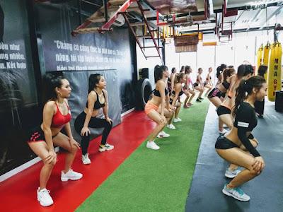 tập luyện kickboxing không phân biệt nam nữ