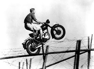Rodando la escena del salto en moto en La gran evasión - Bud Ekins