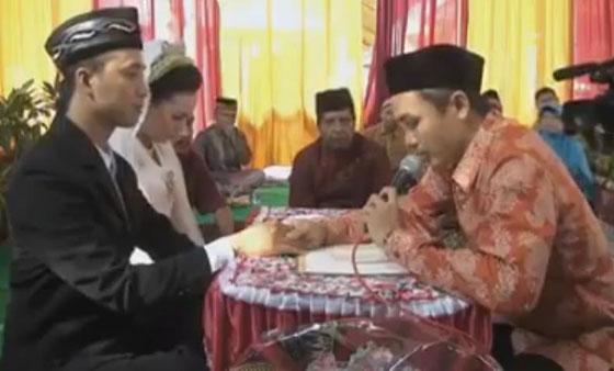 Video Akad Nikah Pasangan Pengantin Yang Jadi Kontroversi