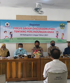"Camat Selayar Pembuka  Acara"" Focus Group Discussion""  Melalui Dinas Sosial Kab. Lingga Bersama KPPAD"