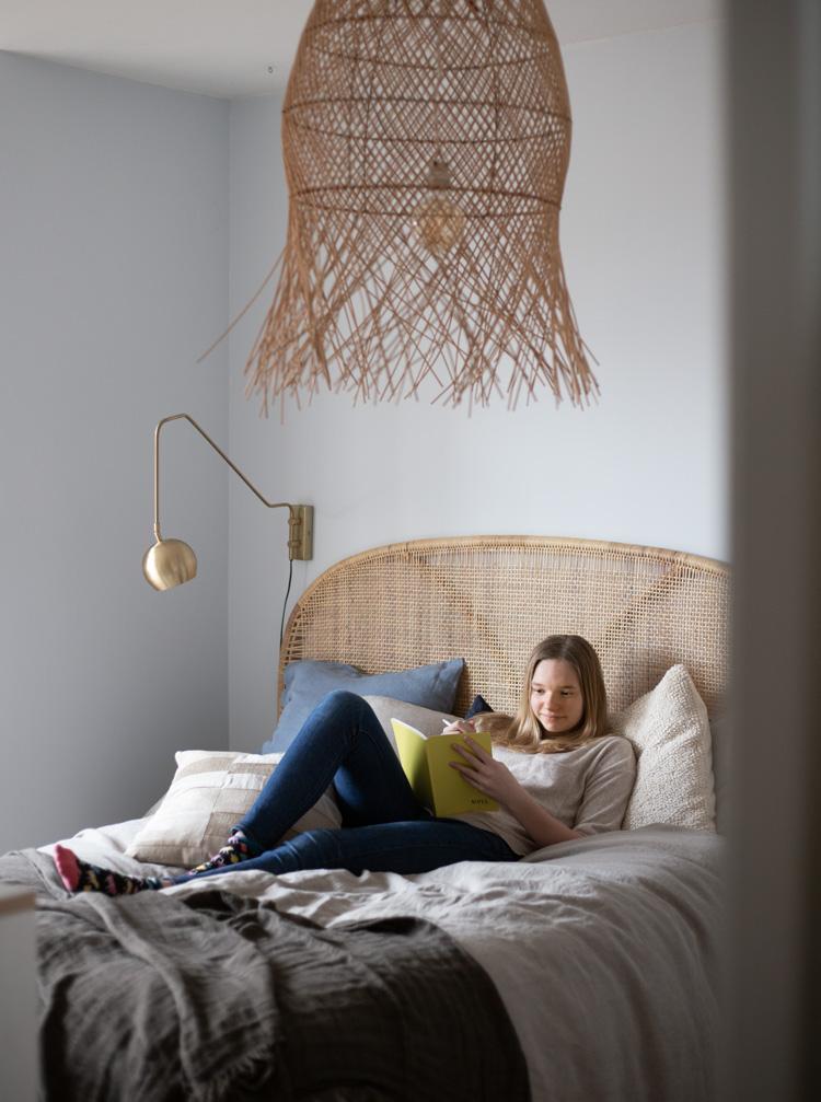 Before & After: Liv's Tween Bedroom Becomes a Teen Bedroom!