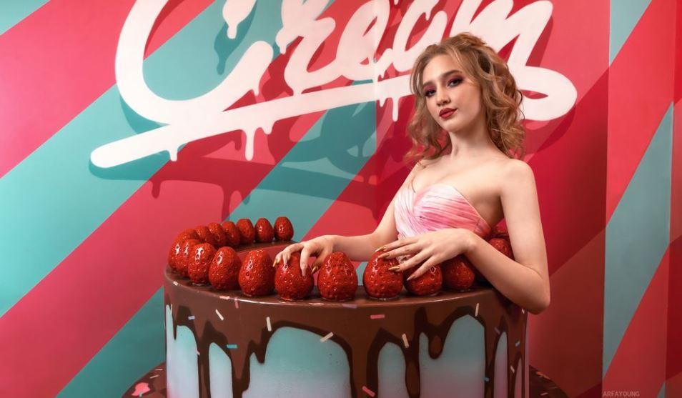 ArfaYoung Model GlamourCams