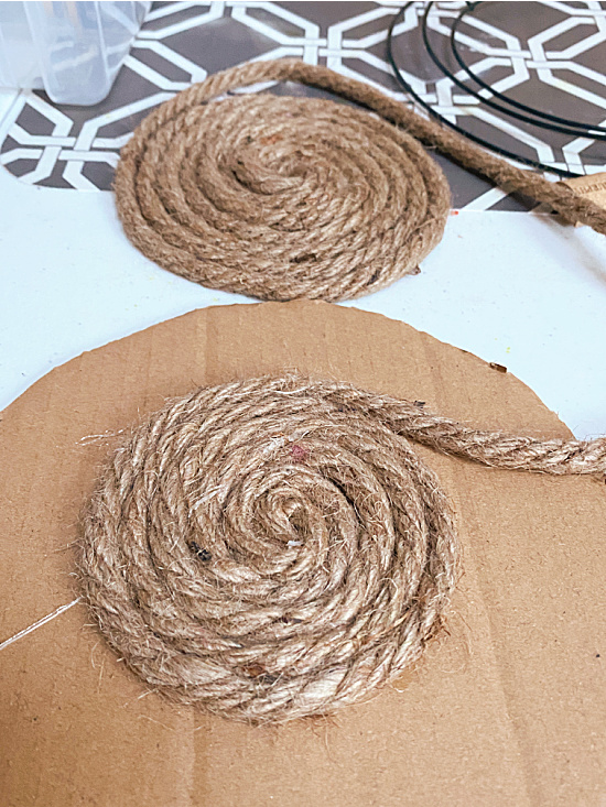 wrapping jute in a larger circle