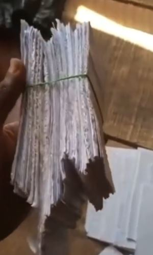 Money Used In Purchasing Bags Of Rice From A Shop In Delta state Turns Into Paper (Watch Video)