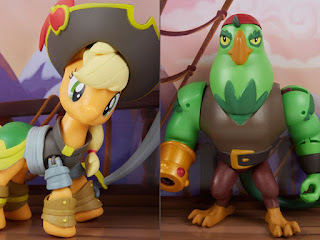 Closer Look at the Applejack and Boyle GoH Good vs Evil Figures