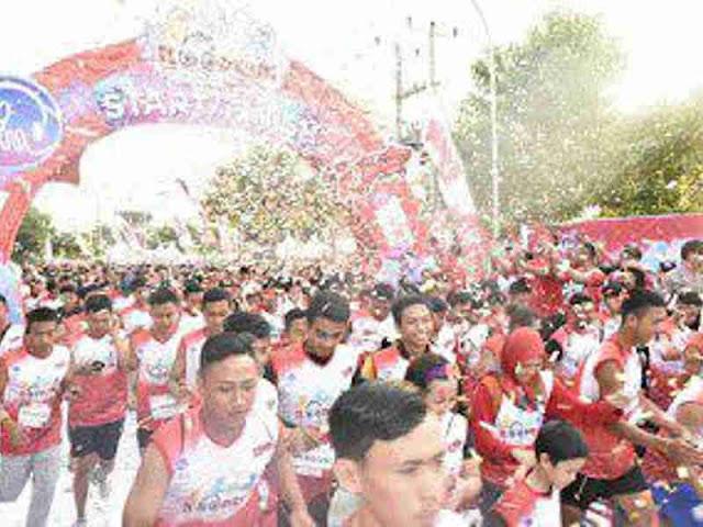 Zulkieflimansyah dan Ahmad Rizal Ramdhani Lepas Peserta  I Loop Run 2019 di Mataram