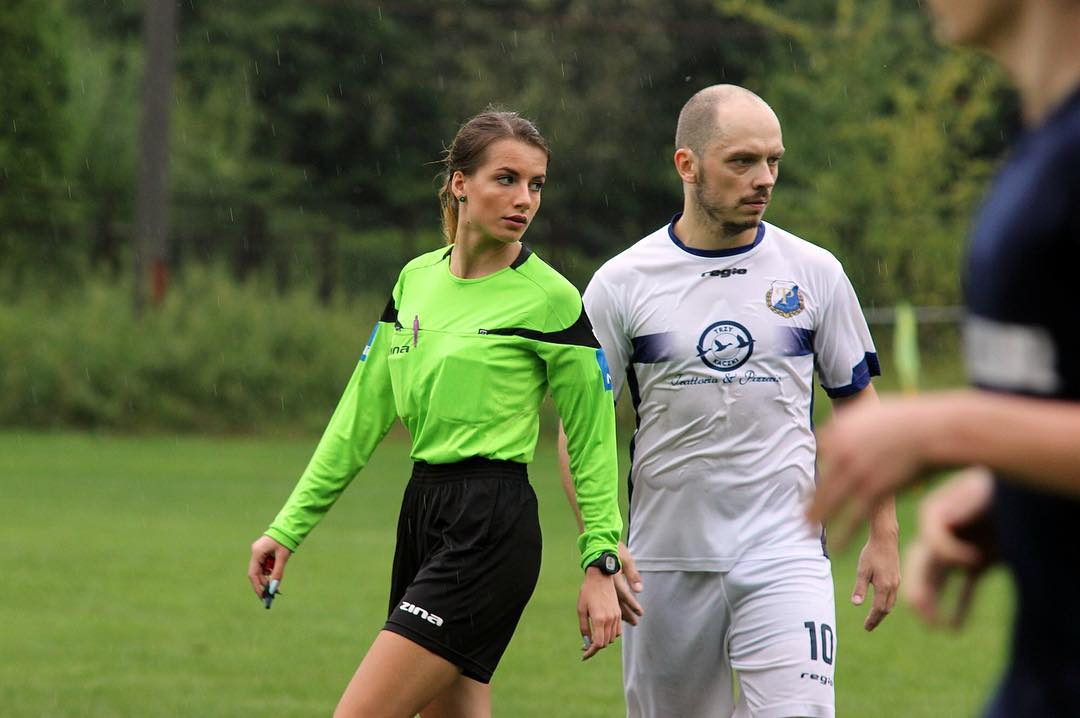 Polish referee Karolina Bojar