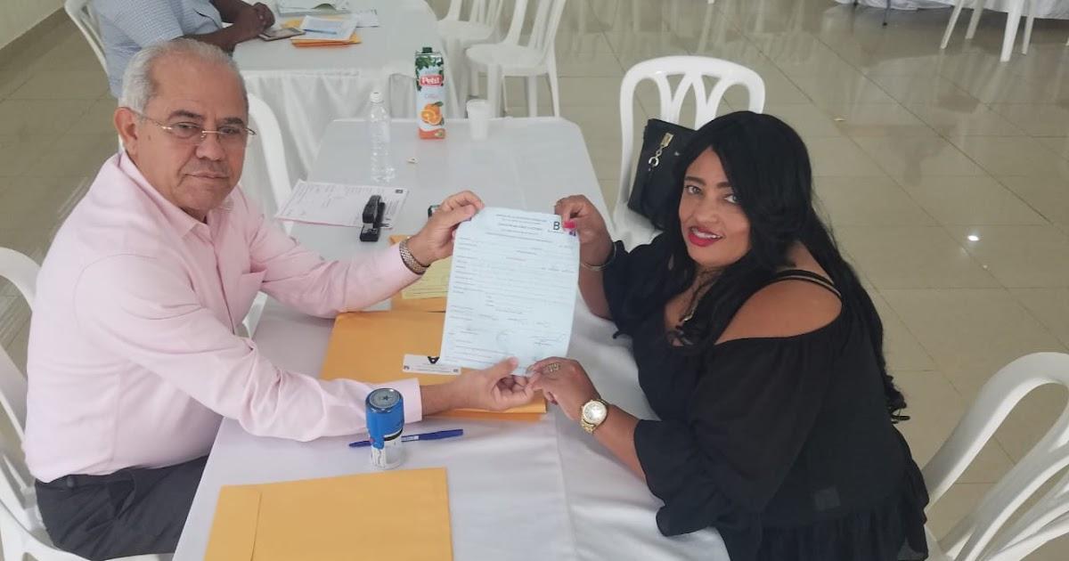 SAN JUAN DE LA MAGUANA: Yanet Beltre inscribe su precandidatura a regidora.