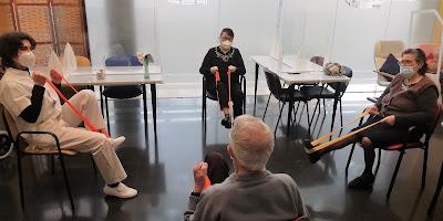 Sessió de fisio a l'Aviparc