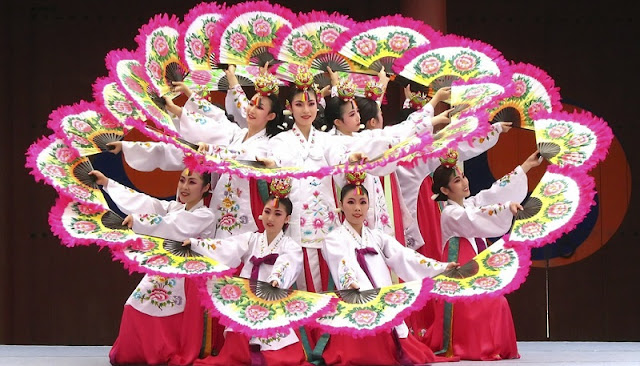 RoK introduces traditional, modern culture in Hoi An 3