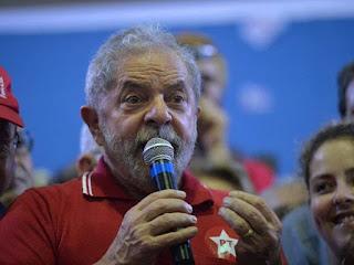 Lula diz que será candidato em 2018 e que espera pedido de desculpas