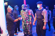 Cek Penerapan Protokol Kesehatan, Polres Lombok Barat bersama Tim Gabungan Laksanakan Patroli Blue Light