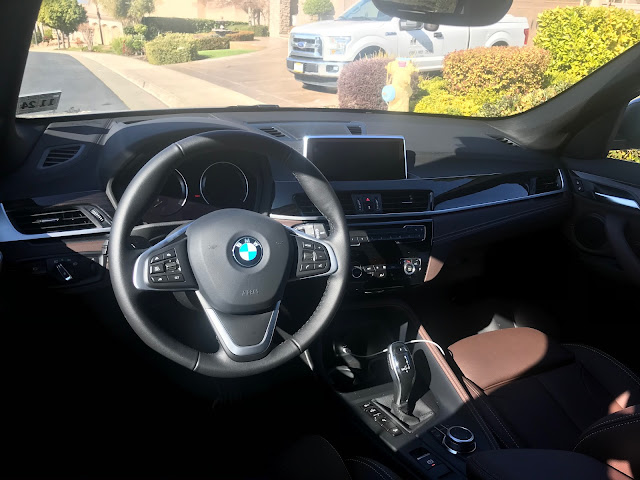 Instrument panel in 2020 BMW X1 xDrive28i