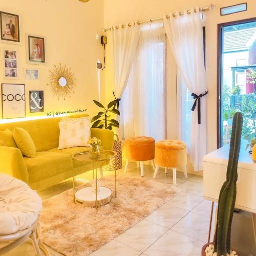 Ruang Tamu Warna Kuning Lembut