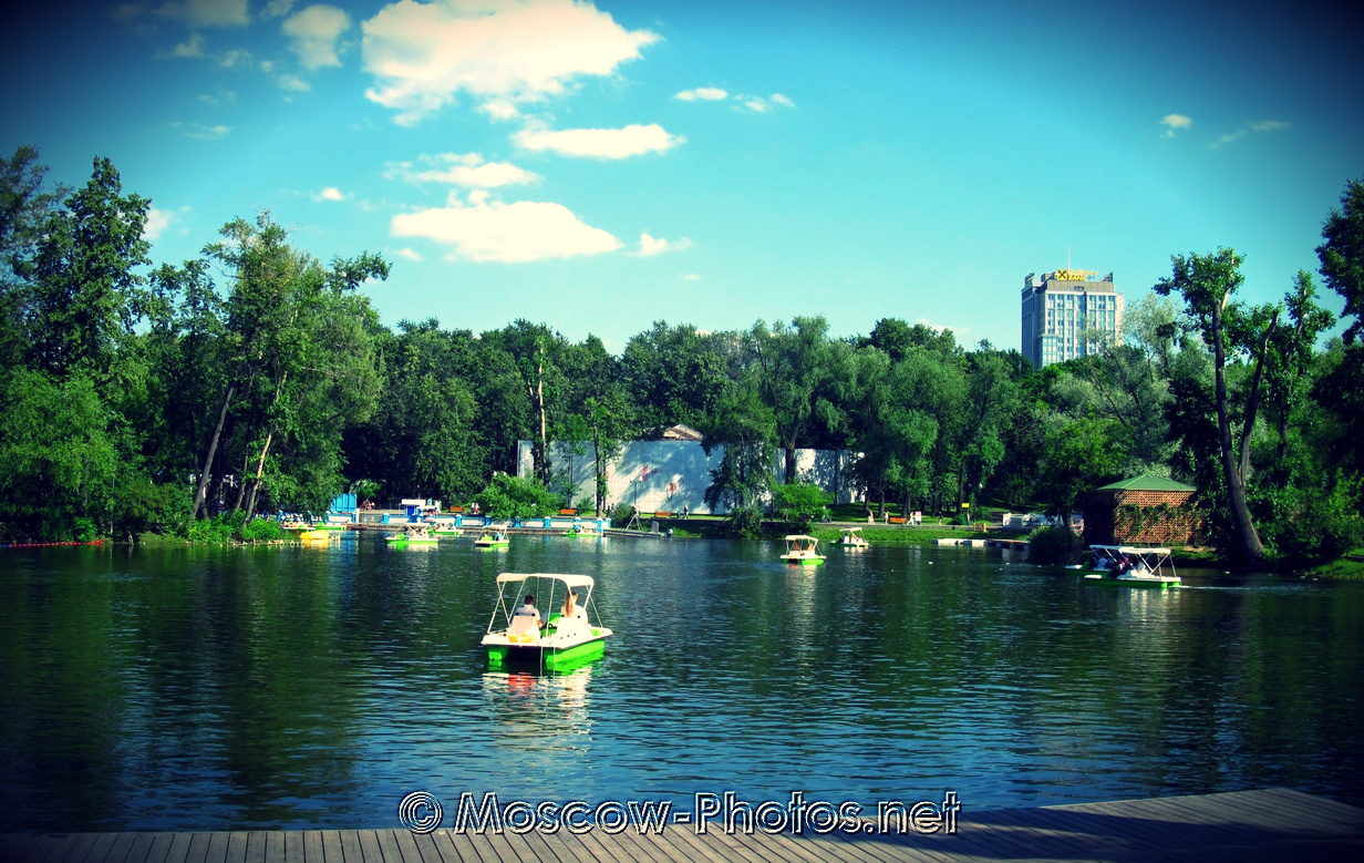 Golitsyn ponds at Maxim Gorky Central Park for Culture and Leisure
