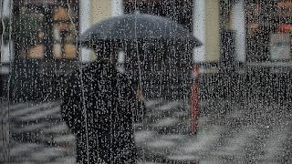 الأرصاد الجوية تحذر من عاصفة رعدية وأمطار في العديد من الولايات التركية