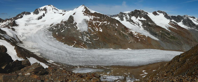 Mountain glaciers are showing some of the strongest responses to climate change