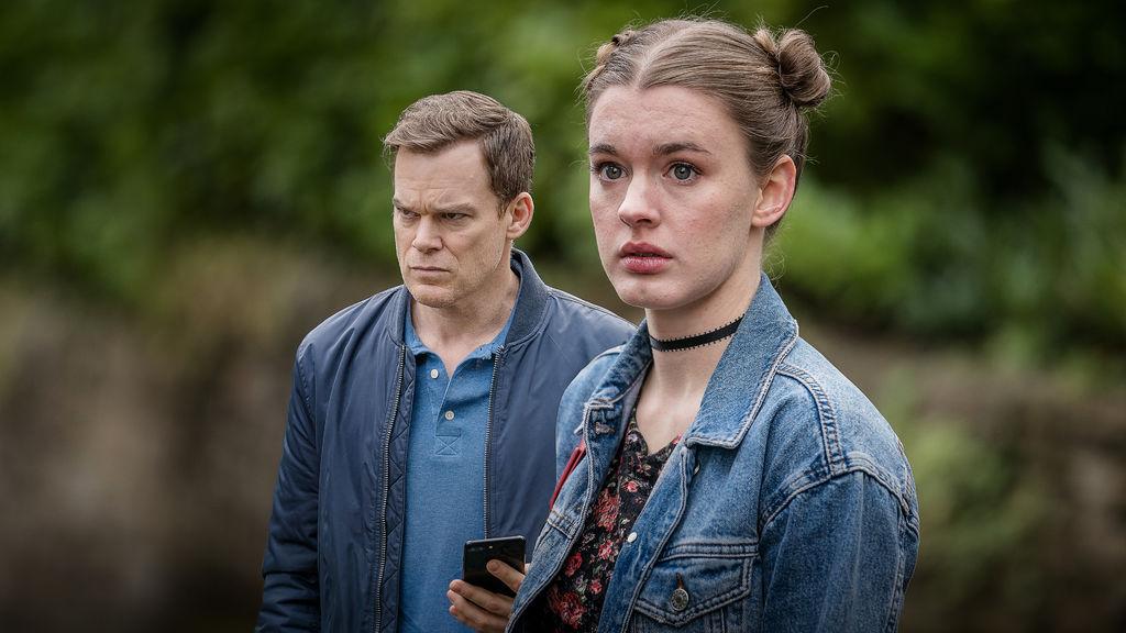 Tom Delaney y Jenny Delaney en 'Safe' de Netflix