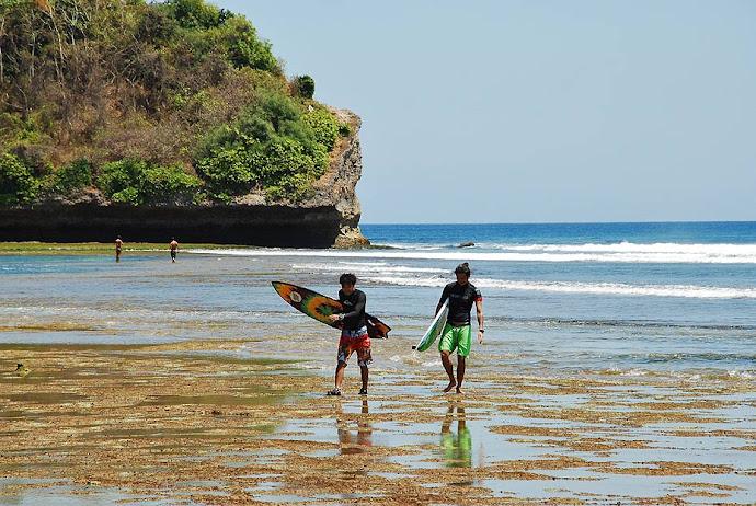 Dos surfistas