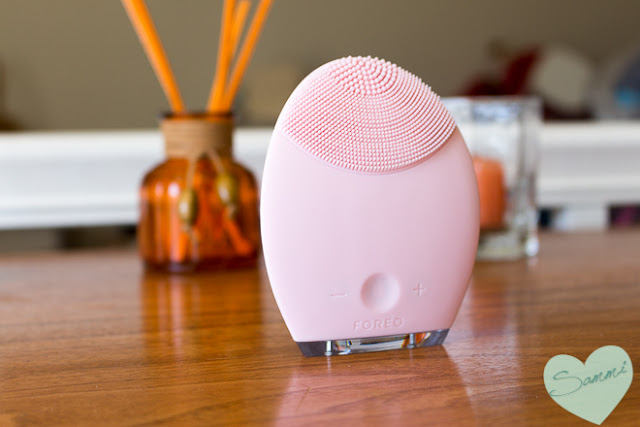 February Finds: New Products I've Been Trying: Foreo Luna for Sensitive/Normal Skin