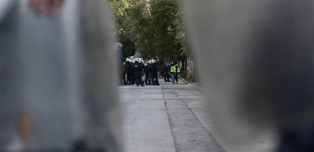Κοινό κείμενο ΣΥΡΙΖΑ, ΚΚΕ, ΜέΡΑ25 – Να αποσυρθεί η απόφαση για τις δημόσιες συναθροίσεις