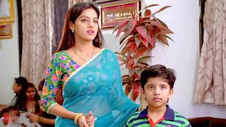 Deepika Singh Aka Sandya of Diya Aur Baati Hum sizzles in Saree