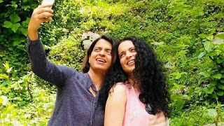 kangan ranaut and rangoli chandel enjoying Family Picnic