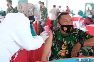 Panglima TNI dan Kapolri Melakukan Pengecekan Vaksinasi Di Semarang