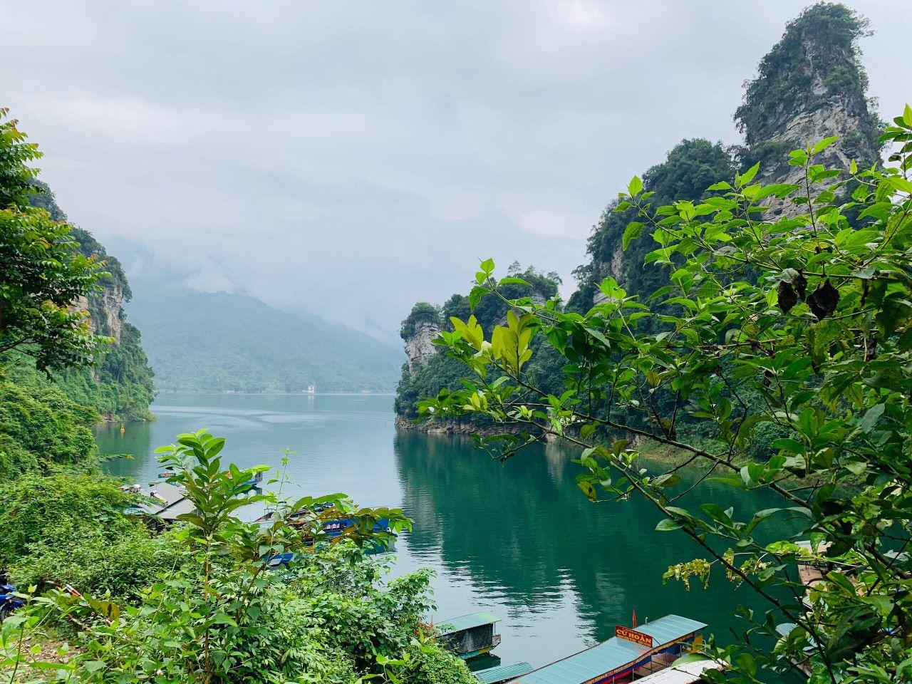 Bạn có biết Hồ Ba Bể là 1 trong 10 hồ đẹp nhất tại Việt Nam