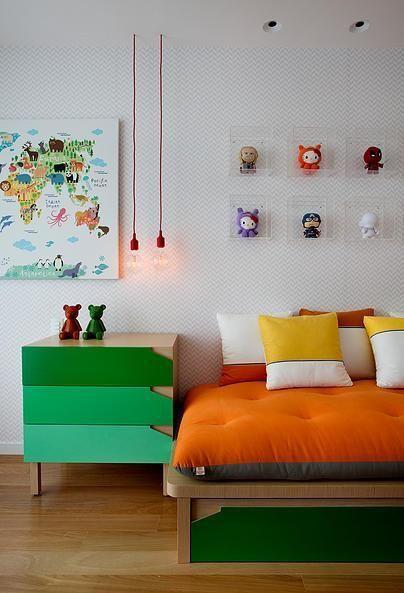 mesa-de-cabeceira-colorida