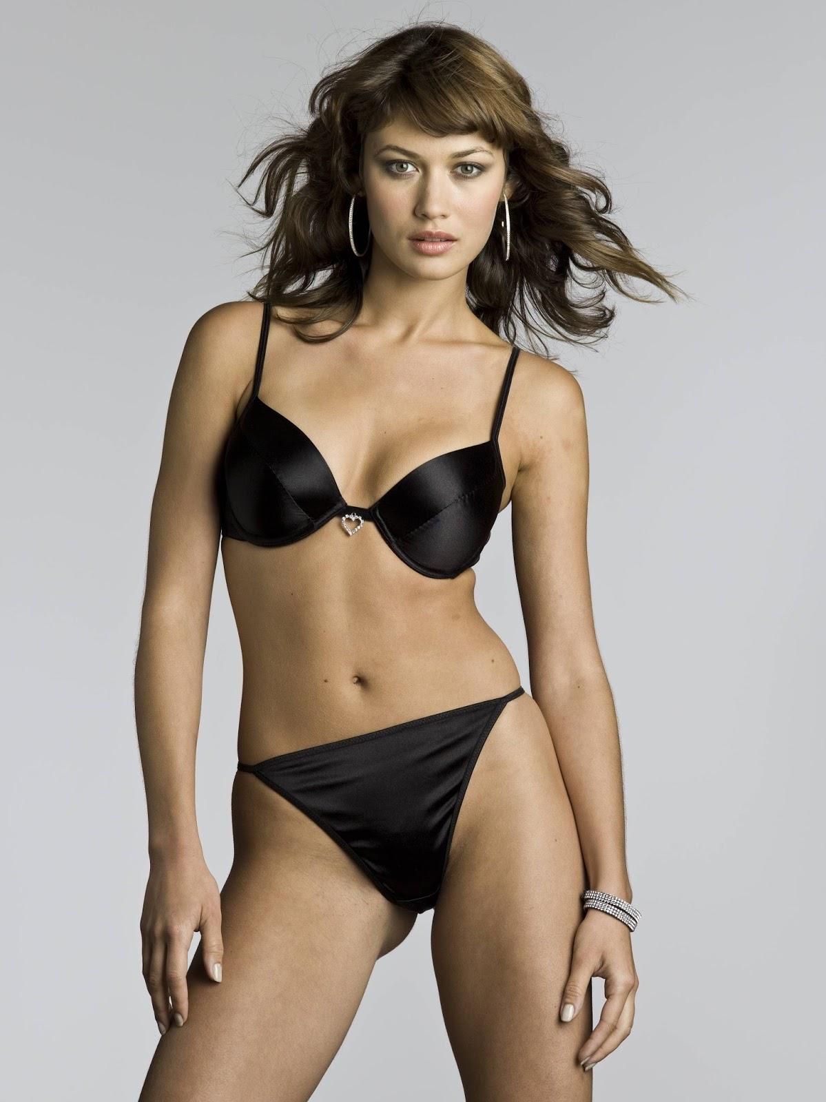 Olga Kurylenko Bikini 93