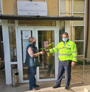 Doua portofele cu bani şi cu acte, predate de cetăţeni Poliţiei Municipiului Calafat