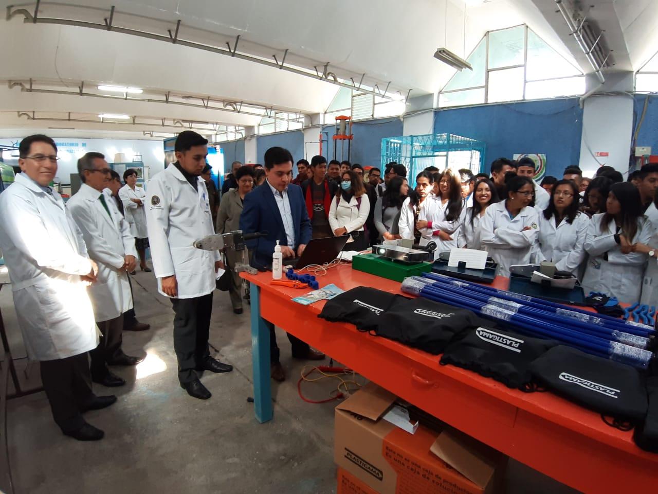 Plastigama Wavin expone nuevas tecnologías a estudiantes de la Universidad Central del Ecuador
