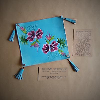 vaciabolsillos-posallaves-bandejita-cuero-personalizada-grabados-pintada-a-mano-espana.jpg